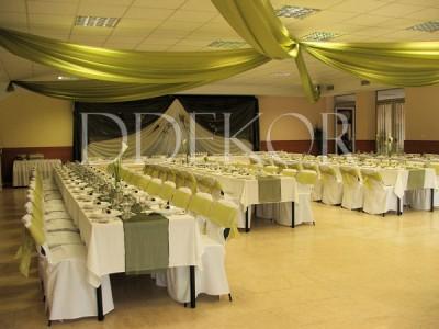 Hochzeitsfestdekoration aus grüner Organza