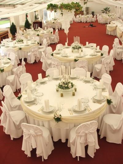 Ddekor Runder Tisch 2 Dekoration Hochzeit Stuhlhussen