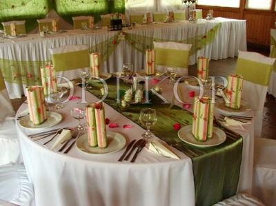 Verzierung von rundem Tisch