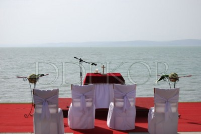 Zeremonie im Freien mit Blick auf den Plattensee